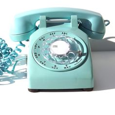 Fab.com | Desk Phone Turquoise by Henry Dryfuss