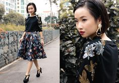 Dressabelle Sequin Embellished Sweater, H&M Chandelier Earrings, Leather Pleated Floral Midi Skirt Midi Skirt, Sequin Skirt, Dramatic Classic, Dark Winter, Romantic, Street Style, Skirts, Sweaters, Outfits