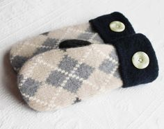 recycled sweater mittens by miraclemittens