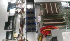"""Un servidor HP en formato Rack 1U de 19"""" con 8 Gigas de RAM y 1 Tera de almacenamiento. Discos extraibles en caliente, fuentes de alimentación y tarjetas de red."""
