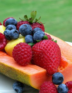"healthandliving: "" Fitness Via Fruits :) Get healthier faster,Eat Fruits and Live Healthy. Dinner Recipes For Kids, Healthy Dinner Recipes, Kids Meals, Healthy Snacks, Eat Healthy, Delicious Recipes, Healthy Living, Tasty, Yummy Food"