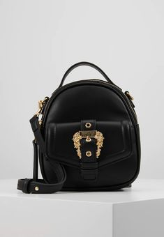 Rucksack Backpack, Mini Backpack, Baroque, Versace Backpack, Buckle Outfits, American Eagle Outfits, Buckle Jeans, Pink Yoga Pants, Versace Jeans Couture