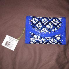 Vera Bradley wallet Brand NWT many pockets!! Great wallet blue color Vera Bradley Bags Wallets
