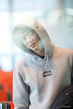 Suho - 160111 Singapore Airport, departing for Incheon Credit: Auimicky. (싱가포르공항 출국)