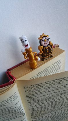 Beauty and the beast Lumiere and Cogsworth paper clip page markers, paper clip Lumiere and Cogsworth, Disney paper clips, Bell paper clip Gifts For Disney Lovers, Book Lovers Gifts, Gifts For Kids, Book Markers, Page Marker, Bell Paper, Harry Potter Bookmark, Cartoon Paper, Clay Figurine