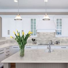 Supreme Kitchen Remodeling Choosing Your New Kitchen Countertops Ideas. Mind Blowing Kitchen Remodeling Choosing Your New Kitchen Countertops Ideas. Kitchen Slab, White Kitchen Cabinets, Kitchen White, Kitchen Cabinetry, Kitchen Backsplash, Kitchen Worktops, Black Cabinets, Backsplash Ideas, Kitchen Appliances