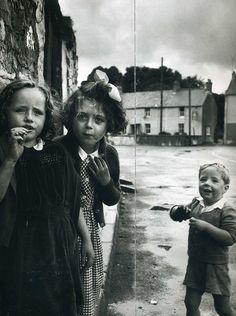 Philip Jones Griffith - Laugharne, Wales 1952. S)