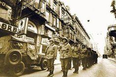 1980 - 12 Eylül Askeri Darbesi sonrasi Îstiklal Caddesi'nde askerler.