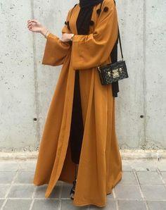 Abaya Style 493566440404766446 - Source by eda_coco Arab Fashion, Muslim Fashion, Modest Fashion, Fashion Clothes, Fashion Outfits, Hijab Fashion Casual, Sporty Fashion, Islamic Fashion, Fashion Hair