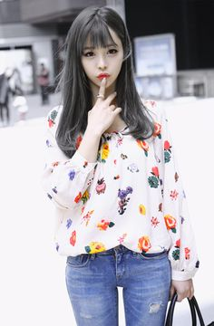 Hey hair color is so pretty Korean Fashion Kpop, Korean Fashion Winter, Ulzzang Fashion, Korea Fashion, Ulzzang Girl, Asian Fashion, Girl Fashion, Korean Ulzzang, Vestidos Polo