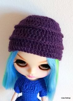 Cute Blythe doll hat in fine deep purple Alpaca wool, super soft. This hat fit Pullip too.  I do combine ship for your convenience.  Ship time is 8-12 days to USA and EU.
