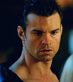 Daniel Gillies as Elijah Mikaelson Vampire Diaries Funny, Vampire Diaries Cast, Vampire Diaries The Originals, Daniel Gillies, Hot Actors, Actors & Actresses, Elijah The Originals, Rachel Leigh Cook, The Mikaelsons