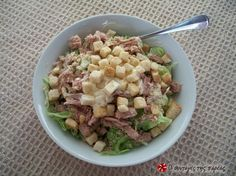 Tuna, cucumber and greens salad ( The Kitchen Food Network, Tasty, Yummy Food, Salad Bar, Greek Recipes, Food Network Recipes, Asparagus, Salad Recipes, Potato Salad