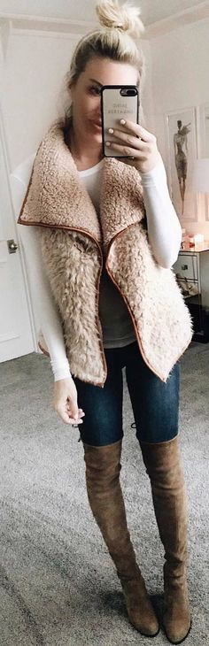 56 Woman Vest That Always Look Great - Fashion New Trends Vest Outfits For Women, Clothes For Women, Woman Outfits, Modest Fashion, Fashion Outfits, Womens Fashion, Ladies Fashion, Fashion Clothes, Stylish Outfits