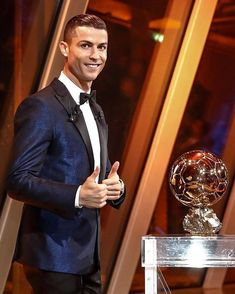 Cristiano Ronaldo beats Messi to win fifth Ballon d'Or : Cristiano Ronaldo has won the fifth Ballon d'Or of his career, equalling Lionel… World Best Football Player, Good Soccer Players, Football Players, Cr7 Vs Messi, Lionel Messi, Funchal, Cristiano Ronaldo Images, Christano Ronaldo, Milan