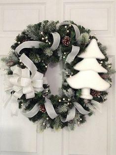 White Christmas Wreath / Xmas Wreath / White and Green Christmas Wreath / White Christmas Decoration / Home Wreath Decor / Handmade Christmas Porch, Christmas Mood, Green Christmas, Christmas Tree Ornaments, Christmas Crafts, Christmas Ideas, Crismas Tree, Xmas Wreaths, White Christmas Wreaths