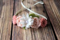 Blush fieltro flor garland diadema recién por muffintopsandtutus