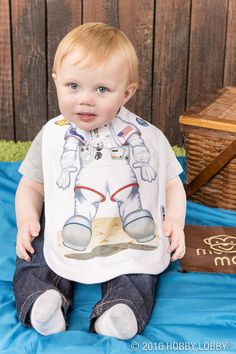 Summer fun can get messy! Grab a Monkey Mat® & a cute bib to keep your little one clean.