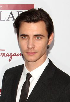 Images For > Harry Lloyd And Emilia Clarke