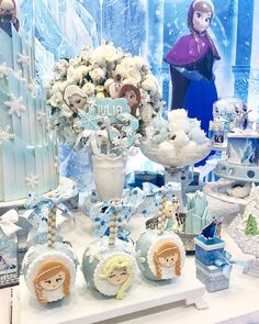Festa Frozen: passo a passo e 85 ideias encantadoras Frozen Birthday Party, Frozen Theme Party, 2nd Birthday Parties, 4th Birthday, Princesa Disney, Disney Frozen Elsa, Cupcake, Party Activities, Party Planning