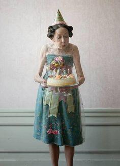 Young at Heart Happy birthday! Birthday Wishes, Girl Birthday, Cake Birthday, Happy Birthday Sister Funny, Rockstar Birthday, Birthday Week, Humor Birthday, Happy Birthday Images, Ideas Geniales