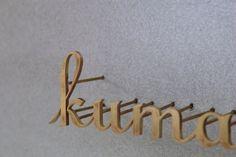 真鍮の切り文字、職人による手仕事です。                                                                                                                                                                                 もっと見る