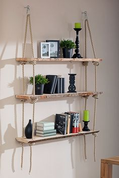 Exclusivholz Blockware (Douglasie, Anfallende Breite: 20 – 25 cm, 200 x 3 cm) This high-quality block goods can be used to design elegant furniture with a rustic flair for the home and garden, as well as chic decorative elements. this hanging shelf. Diy Home Decor Rustic, Diy Home Decor Projects, Cheap Home Decor, Decor Ideas, House Projects, Wall Ideas, 31 Ideas, Craft Projects, Decoration Chic