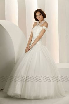 sexy and elegant off-shoulder #wedding dress, ivory #bridal #gown