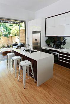 1000 Images About Kitchens On Pinterest Polished Concrete Mirror Splashback And Island Bench