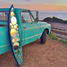 Mirror Mosaic Surfboard Art at Sunset - Dekoration Verden Mirror Mosaic, Mosaic Art, Mosaic Crafts, Surfboard Decor, Fishing Photography, Surfer Style, Remo, Surf Art, Surfs Up