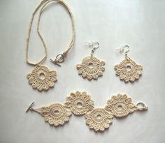 Crochet beige set: earrings, necklace, bracelet