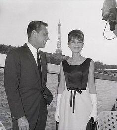 William Holden & Audrey hepburn in Paris