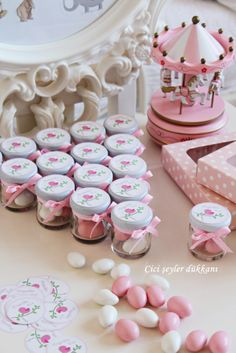 Hoşgeldin Ece;) Tin Can Crafts, Easy Paper Crafts, Diy And Crafts, Candy Wedding Favors, Party Favors, Carousel Party, Boy First Birthday, Fiesta Party, Candy Gifts