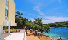 Groupon - Croazia, Resort Centinera - 2 o 7 notti in mezza pensione con piscina da 129 € per 2 persone ed un bambino a Banjole. Prezzo Groupon: €129