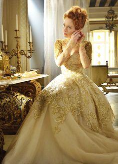 Rachel Skarsten as Queen Elizabeth I in'Reign' (2013). x