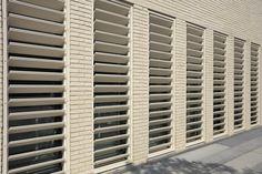 Ladrillo Caravista de Gran Formato LYCEUM, modelo Blanco K2 de Piera Ecoceramica en fachada y divisorias interiores. Blinds, Curtains, Home Decor, Model, Interiors, Decoration Home, Room Decor, Shades Blinds, Blind