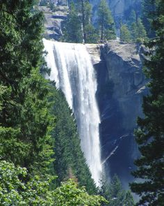 Yosemite National Park / 10 unbelievably photogenic US national parks to explore / A Globe Well Travelled