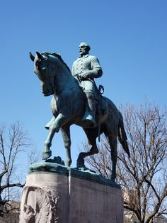 Statue of General Robert E. Lee located in Lee Park in Charlottesville, Virginia.