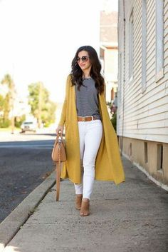 This is a rather form-fitting type of look. If you prefer simple and casual outfits, you might have a very good look at the gallery below and you may combine the awesome ideas in every single picture and make a more stylish outfit. Summer Work Outfits, Casual Work Outfits, Business Casual Outfits, Office Outfits, Mode Outfits, Work Casual, Classy Outfits, Fall Outfits, Fashion Outfits