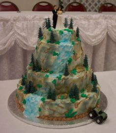 4WD+mountain+climb+wedding+cake+-+The+groom's+hobby+is+mountain/rock+climbing+with+his+jeep.