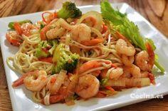 Espaguetis con brócoli y gambas: http://espaguetis-con-brocoli-y-gambas.recetascomidas.com/ - #recetas #recipes
