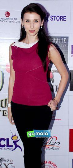 Claudia Ciesla at Kolkata Baabu Moshayes Party in Mumbai