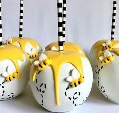 Baby Shower Themes, Baby Boy Shower, Baby Shower Decorations, Oreo Pops, Bee Cake Pops, Chocolate Covered Apples, Bee Cakes, Winnie The Pooh Birthday, Baby Gender Reveal Party