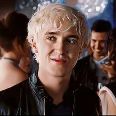 Pin By Rodriguezitati On Tom Felton Draco Malfoy Draco Malfoy Aesthetic Harry Potter Draco Malfoy