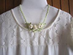 レース編みお花のネックレス 2x