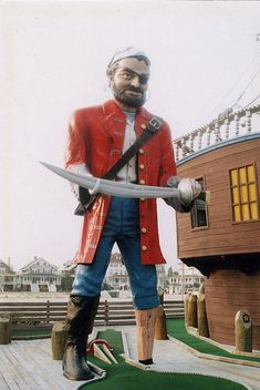 Pirate Muffler Man, Ocean City, NJ. I've golfed here many, many times.
