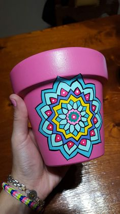 Clay Flower Pots, Flower Pot Crafts, Clay Pot Crafts, Clay Pots, Paint Garden Pots, Painted Plant Pots, Painted Flower Pots, Plant Painting, Diy Painting