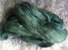 Tulipan-indsamlingen er i gang! Alpacas, Yarn Colors, Go Green, Knitting Yarn, Knitting Projects, Diy And Crafts, Prints, Fabric Dye, Inspiration
