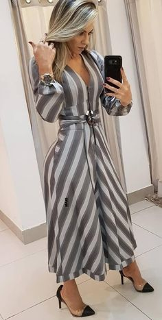 Best 11 Long dress and shoes – SkillOfKing. Dope Fashion, Womens Fashion, Lookbook, Dress Suits, Classy Dress, Women's Fashion Dresses, Fashion Boutique, Casual Chic, Casual Looks