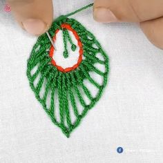 Hand Embroidery Patterns Free, Embroidery Leaf, Basic Embroidery Stitches, Hand Embroidery Videos, Embroidery Stitches Tutorial, Creative Embroidery, Simple Embroidery, Embroidery Techniques, Embroidery Flowers Pattern